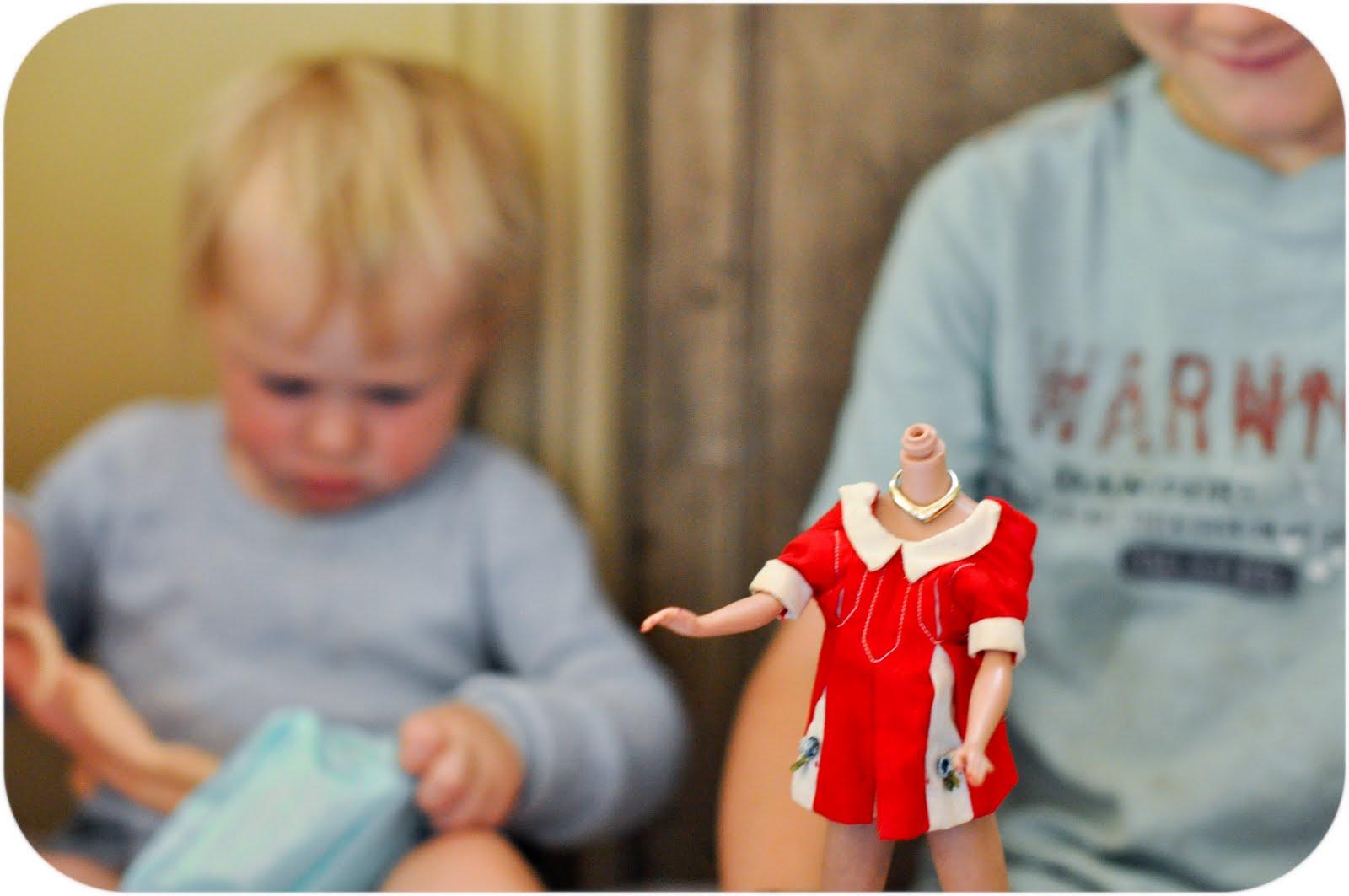 мальчики с куклами